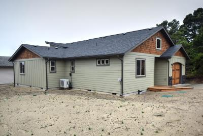 Waldport Single Family Home For Sale: 1701 NW Dodge Ct