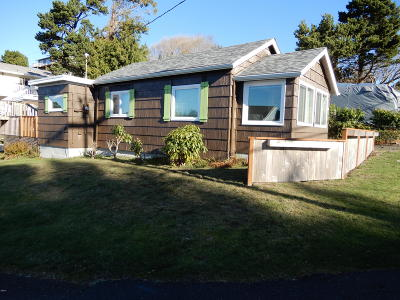 Depoe Bay, Gleneden Beach, Lincoln City, Newport, Otter Rock, Seal Rock, South Beach, Tidewater, Toledo, Waldport, Yachats Single Family Home For Sale: 1713 NE 14th Street