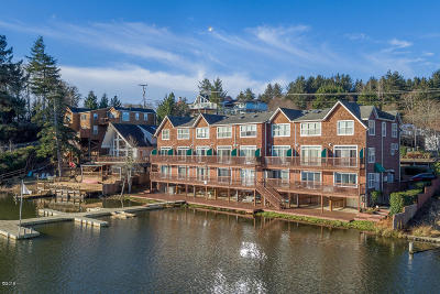 Lincoln City Condo/Townhouse For Sale: 3792 NE West Devils Lake Rd. #7
