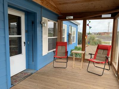Depoe Bay, Gleneden Beach, Lincoln City, Newport, Otter Rock, Seal Rock, South Beach, Tidewater, Toledo, Waldport, Yachats Mobile/Manufactured For Sale: 1214 NW Pacific Way