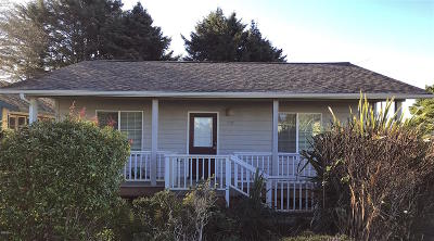 Yachats OR Single Family Home For Sale: $329,000