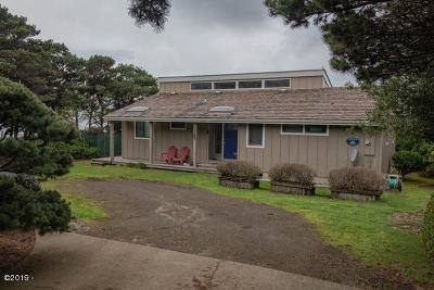 Seal Rock Single Family Home Pending - Contingencies: 1365 NW Orcas Dr