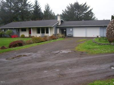 Waldport Single Family Home For Sale: 460 SE Gibson Rd