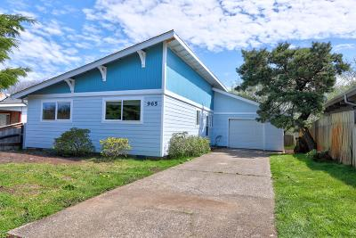 Waldport Single Family Home For Sale: 965 SE Ball Blvd