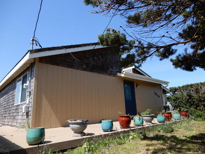 Single Family Home For Sale: 1810 NW Parker Ave
