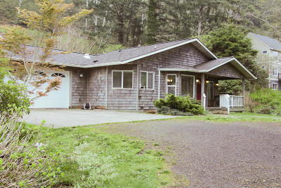 Yachats Single Family Home For Sale: 544 Lily Ct