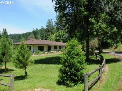 Farm & Ranch : 930 Sand Creek Rd
