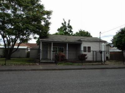 Single Family Home Sold: 9906 SE Harold St