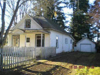 Single Family Home Sold: 921 N Main Ave