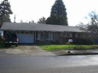 Single Family Home Sold: 2200 SE 135th Ave