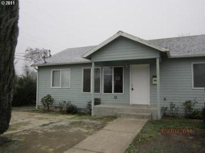 Single Family Home Sold: 6810 SE 67th Ave