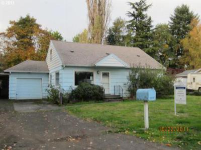 Single Family Home Sold: 6212 NE 38th St