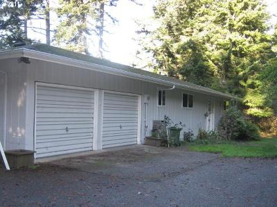 North Bend Single Family Home For Sale: 65434 E Bay Dr