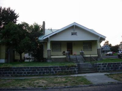Single Family Home For Sale: 321 NW 6th St
