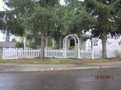 Single Family Home Sold: 10236 SE Ramona St