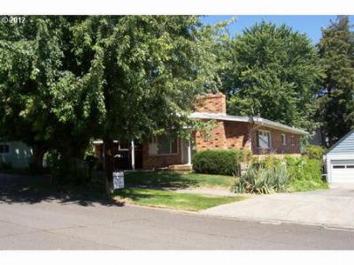 Single Family Home For Sale: 308 NW 6th St