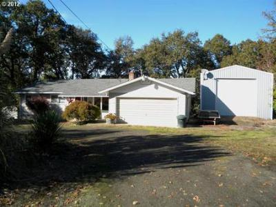 Single Family Home Sold: 365 Quail Ln