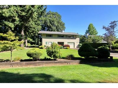 Canby Single Family Home Sold: 560 NW Riverpark Pl