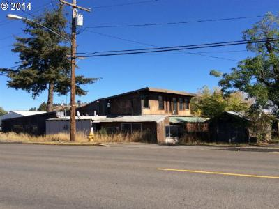 Elgin Single Family Home For Sale: 480 S 8th Ave
