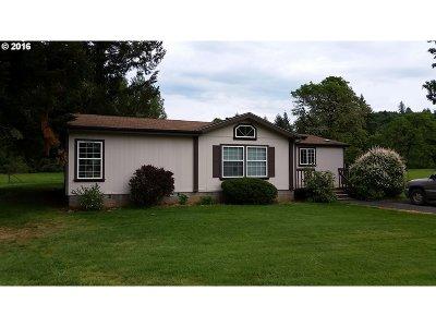 Estacada Single Family Home For Sale: 27130 SE Currin Rd