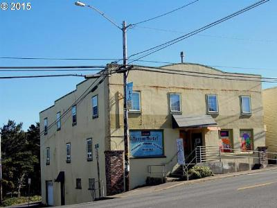 Lincoln City Commercial For Sale: 304 SE Hwy 101