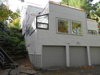 Lake Oswego OR Condo/Townhouse Sold: $157,900