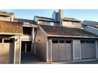 Condo/Townhouse Sold: 3407 S Hemlock St #C6