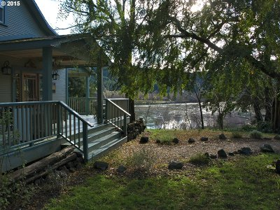 Gold Beach Single Family Home For Sale: 96265 N Bank Rogue