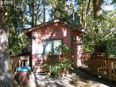 Brookings Single Family Home For Sale: 19921 Whaleshead Rd #C15