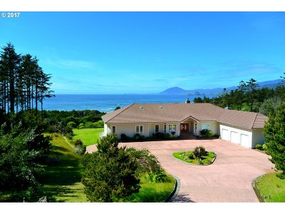 Gold Beach Single Family Home For Sale: 33935 Miller Ln
