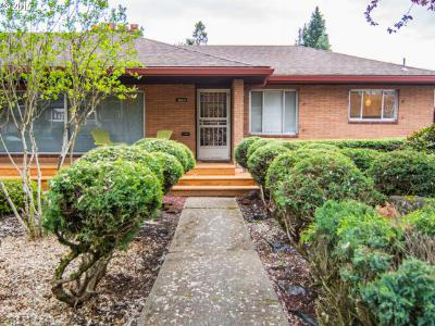 Single Family Home Sold: 3644 SE Gladstone St