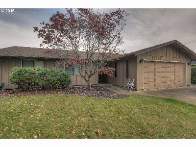 Dallas Single Family Home Sold: 330 NW Hillcrest Dr