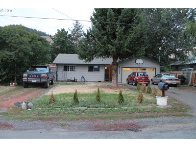 La Grande OR Single Family Home Sale Pending: $149,999