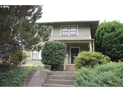 Single Family Home Sold: 3025 NE Weidler St
