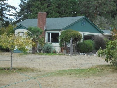 Bandon Single Family Home For Sale: 47611 Hwy 101