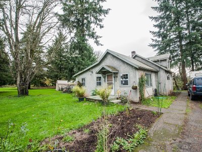 Single Family Home For Sale: 4916 SE Tenino Ct
