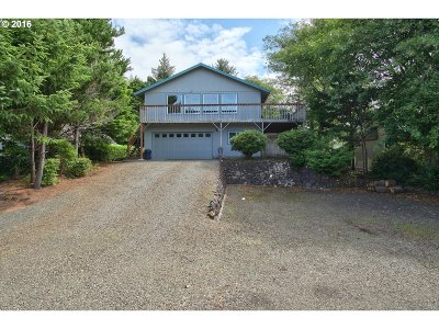 Lincoln City Single Family Home For Sale: 5670 Palisades Dr