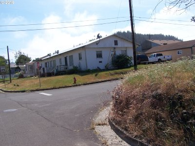Douglas County Multi Family Home For Sale: 715 Clearlake Ave