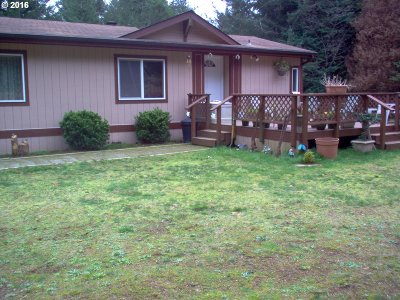 North Bend Single Family Home For Sale: 69238 Beaver Loop Rd