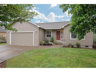 Stayton Single Family Home Sold: 573 Meadowbrook Ln