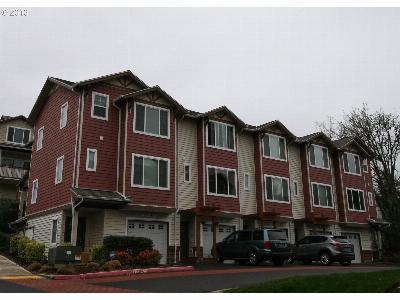 Condo/Townhouse Sold: 350 NW 116th Ave #102