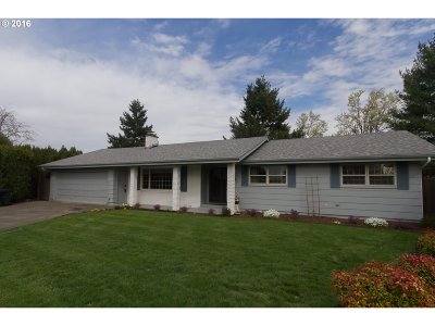 Stayton Single Family Home Sold: 920 Westwood Pl