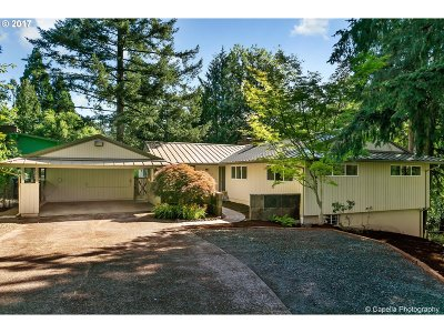 Portland Single Family Home For Sale: 3620 SW 70th Ave
