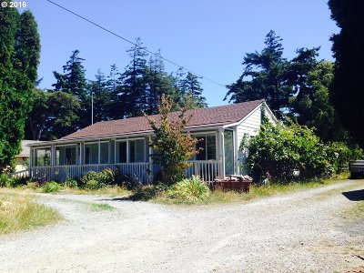Port Orford Single Family Home For Sale: 805 Twelfth St