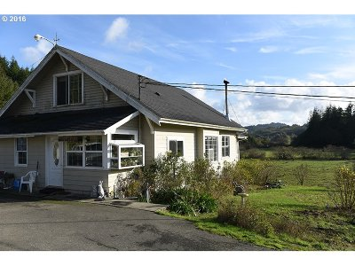 Bandon Single Family Home For Sale: 55441 Bear Creek Rd
