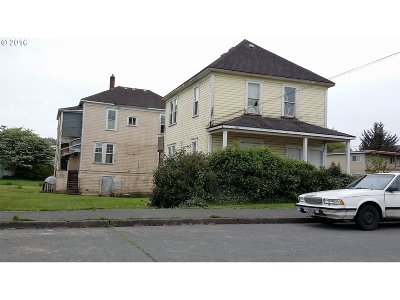 Coos Bay Multi Family Home For Sale: 299 Hall