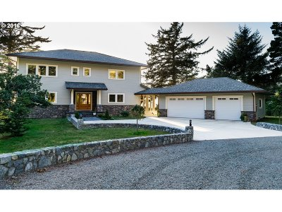 Gold Beach OR Single Family Home For Sale: $1,095,000