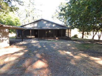 Elmira Single Family Home For Sale: 90145 Knight Rd