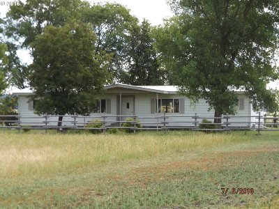 Single Family Home Sale Pending: 70871 Middle Rd