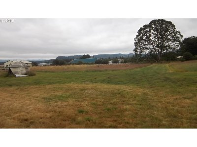 Scappoose Single Family Home For Sale: 53723 Ring A Ring Rd